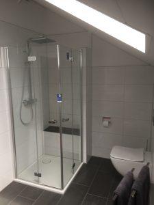 2-niedrige-duschtasse
