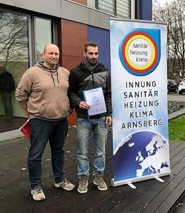 Marcel Linke besteht Gesellenprüfung als einer von zwei der besten Auszubildenden der SHK Innung Arnsberg-Sundern
